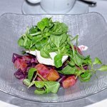 Roasted beet salad w/goat cheese