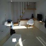 Suite Air - zona giorno con scala d'accesso al soppalco