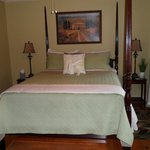 Th extremely comfotable bed in the Vineyard room.