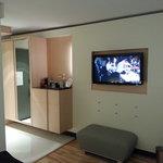 HDTV Wall Mounted; Bar; Closet