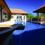 Foto de Two Villas Holiday, Oriental Style Layan Beach