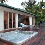 Villa ''B'' - Heated spa, front deck and BBQ.