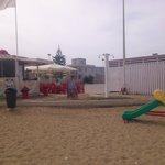 Lido Playa Nova, Giuseppe il proprietario del lido mette a disposizione dei suoi ospiti servizio