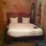 Chambre de l'arbre: cama doble