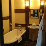 Bath in the de Montford suite