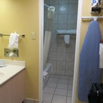 Baymont Inn & Suites West - Amarillo - Bathroom