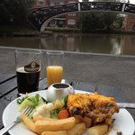 Pie and pint by the canal junction!