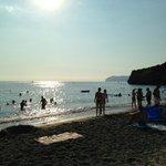 la spiaggia del villaggio..