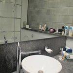 Bagno con servizi, vasca-doccia