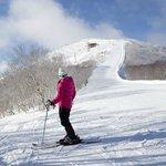Downhill skiing (75759837)