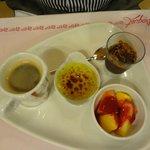 Espresso with 3 mini desserts