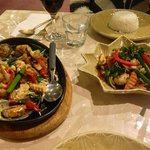 chicken Basil and The Chefs Seafood Special...Aroy Mak Mak!!!