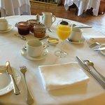 Sehr stilvoller Frühstückstisch