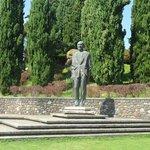 statua a Carlo sigurtà