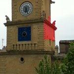 Vue de la chambre sur la Tour de l'Horloge