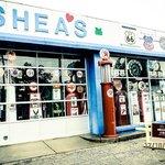 Sheas - facade