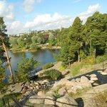 В оформлении парка используются камни вторичного пользования