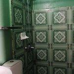 la salle de bains sans aération ni fenêtre !