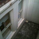 ancora le finestre della camera