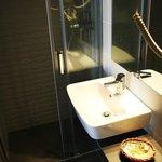 Hotel Ginebra stylish new bathrooms