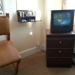 very dated tv/furniture