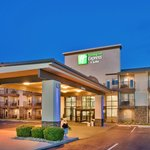 Holiday Inn Express Hotel & Suites - 76 Central - Branson, MO