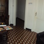 salottino/ingresso camere