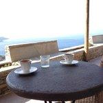 Καφεδάκι στο μπαλκόνι!