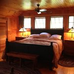 Master bedroom, Firefly Cottage