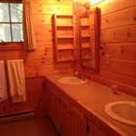 Master bath, Firefly Cottage