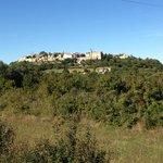 Vue du village de Lussan