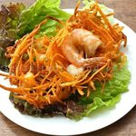 Banh tom Ho tay