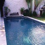 Huge, clean swimming pool