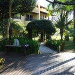 O jardim impecável da Vila Tamarindo