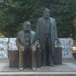 statue di Marx e di Engels