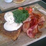 Shaky Isles breakfast