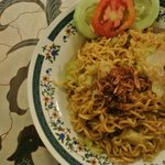 typical local instant fried noodle, delicious n big potion (4 star)