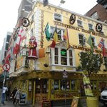 Oliver St. John Gogarty, zona Temple Bar