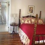 Mary Ruth's Retreat (Main Level Bedroom)