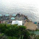 Plaża hotelowa obok zjeżdżalni
