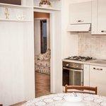Angolo cucina e soggiorno appartamento
