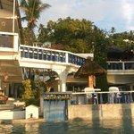 Отель прямо у воды