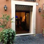 Hotel Mozart entrance