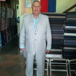 australian try on his cotton casual suit for sumer