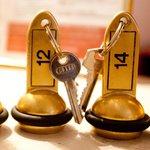 les clés de l'hôtel Royal Wilson au centre de Toulouse , proche Place Wilson et Place du Capitol