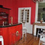 La salle petit déjeuner bar