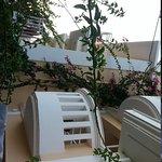 balkonger i andre etasje på hotellet