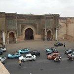 Vista di Bab el-Mansour dalla terrazza del ristorante