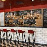 Kitchen & Table Bar