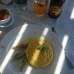 Fava mit geräucherten Makrelen